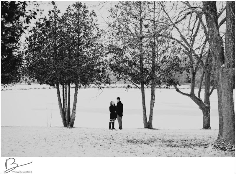 winter-engagement-photos-new-hamburg-1177