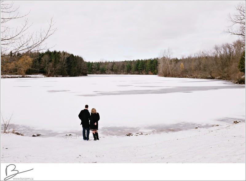 winter-engagement-photos-new-hamburg-1179