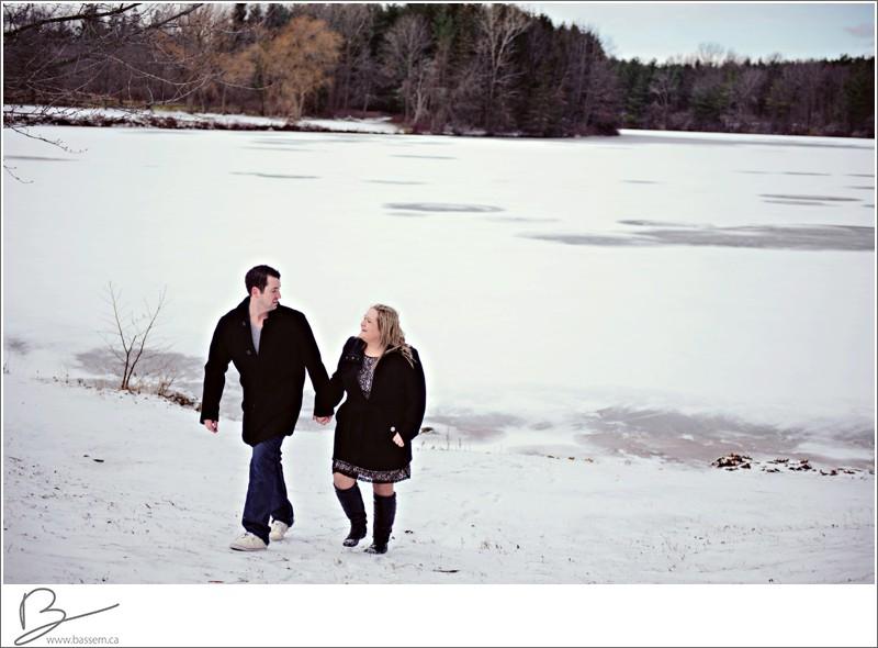 winter-engagement-photos-new-hamburg-1181
