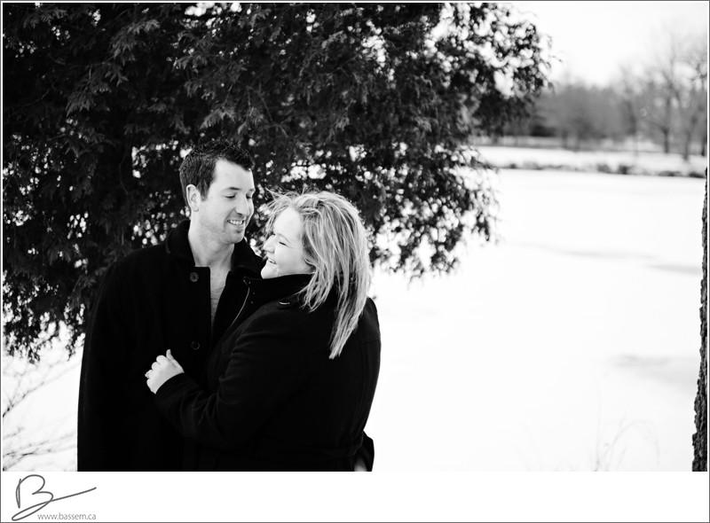 winter-engagement-photos-new-hamburg-1183